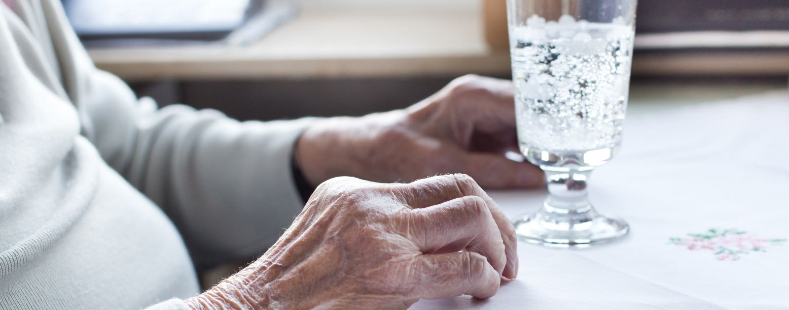 Helping older people stay healthy in the heat